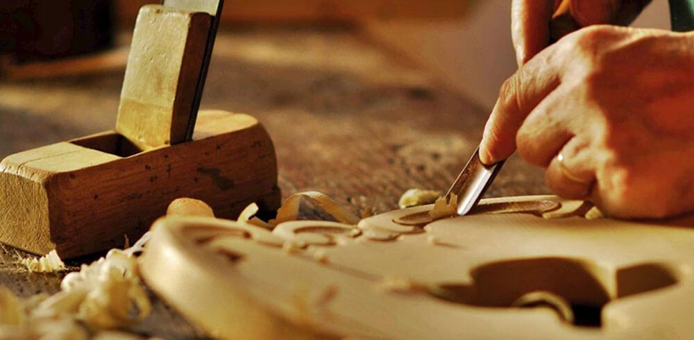 EM - Urne in legno | Intaglio